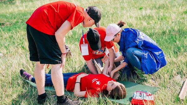 Волонтеры-медики начинают системную работу в детских оздоровительных лагерях