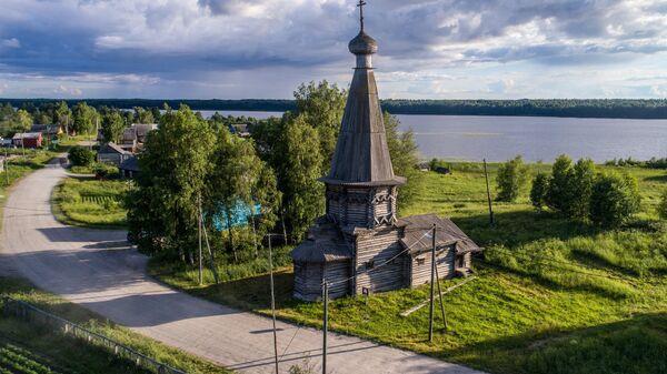 Церковь Александра Свирского в деревне Космозеро Медвежьегорского района Республики Карелия. Архивное фото