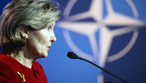 Постоянный представитель США при НАТО Кей Бейли Хатчисон во время пресс-конференции в Брюсселе. 10 июля 2018