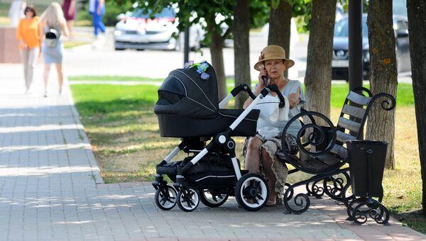 Отдыхающие на Набережной улице в Тамбове