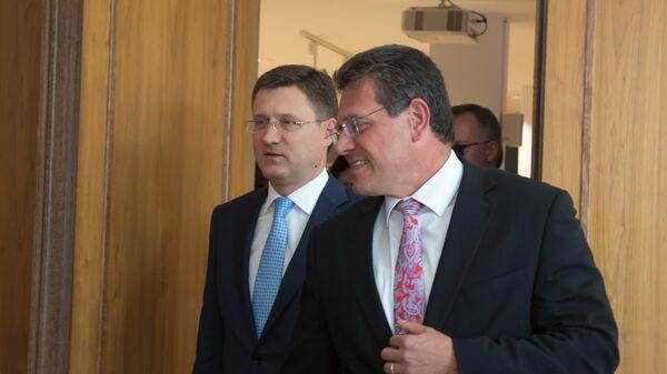 Александр Новак и Марош Шефчович во время переговоров России, Украины и Еврокомиссии по транзиту газа в Берлине