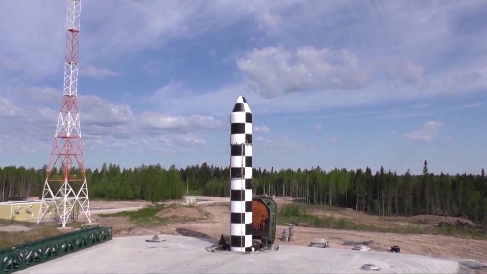 Испытание новой баллистической ракеты Сармат - РИА Новости, 1920, 03.12.2020
