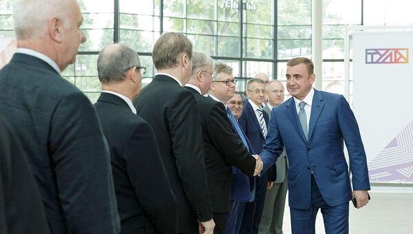 Губернатор Тульской области Алексей Дюмин на встрече с руководителям диппредставительств
