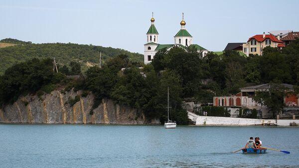 Церковь Ксении Петербургской в селе Абрау-Дюрсо