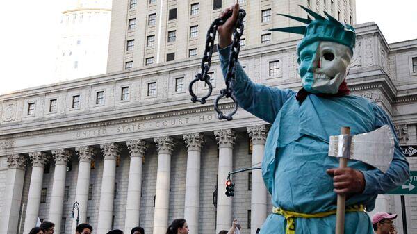 Акция протеста против политики президента США Дональда Трампа в Нью-Йорке