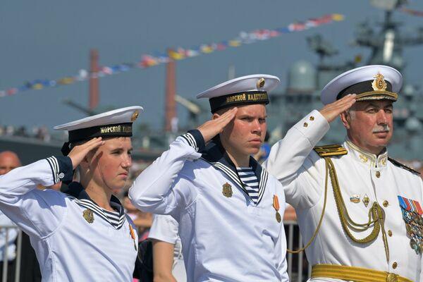 Курсанты Кронштадтского морского кадетского военного корпуса  на главном военно-морском параде в Кронштадте