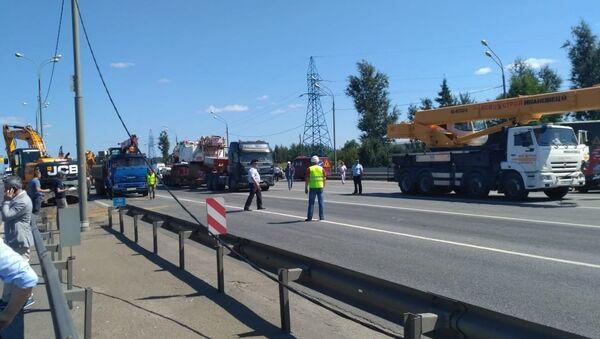 Последствия ДТП с участием КамАЗа на Ярославском шоссе возле Пушкино. 31 июля 2018