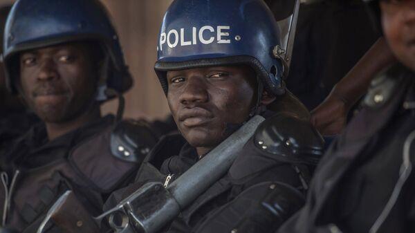 Полиция во время протеста в Зимбабве