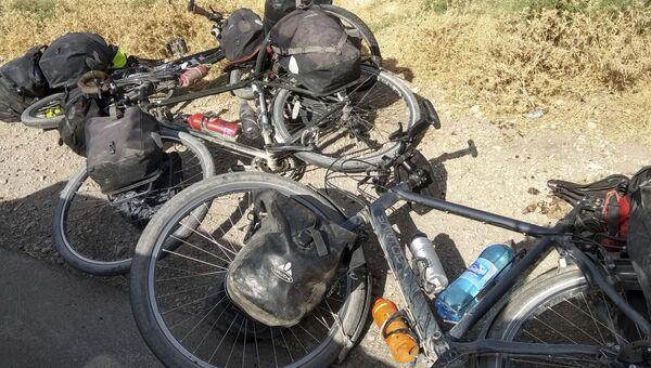 Велосипеды туристов которых сбили в Таджикистане. 29 июля 2018 года