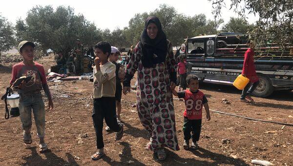 Жители освобожденных от ИГ поселений на юго-западе сирийской провинции Дераа