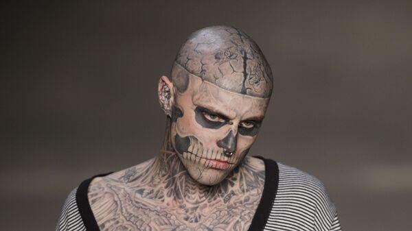 Канадская модель Рик Дженест, известный как зомби-бой. Архивное фото