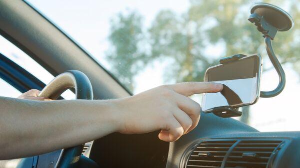 Использование навигатора в машине
