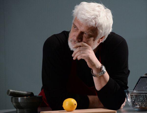 Дмитрий Брусникин на показе спектакля Иллюзии на сцене МХТ им. А.П. Чехова