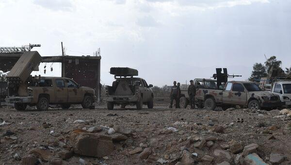 Военнослужащие сирийской арабской армии в провинции Дамаск. Архивное фото