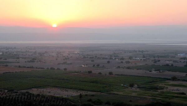 Вид на долину Мертвого моря с горы Лота, Иордания