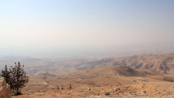 Вид на Иорданскую долину с горы Нево, Иордания. Архивное фото.