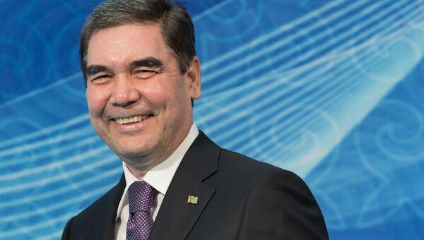 Президент Туркменистана Гурбангулы Бердымухамедов на церемонии встречи глав государств-участников V Каспийского саммита в Актау. 12 августа 2018
