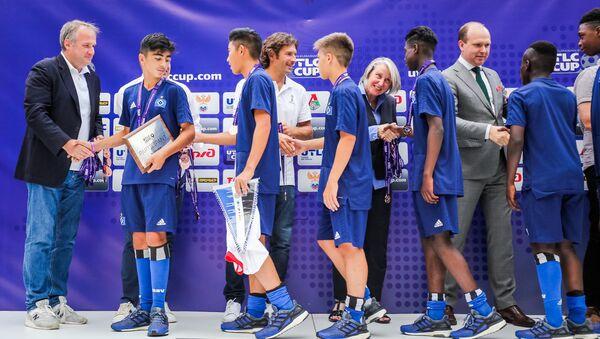 Церемония награждения победителей Международного молодежного кубка по футболу UTLC Cup 2018