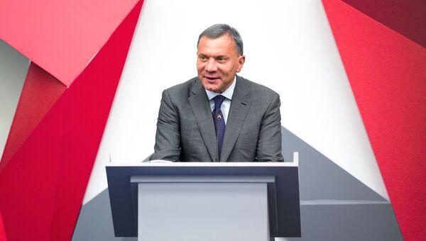 Заместитель председателя правительства РФ Юрий Борисов выступает на IV Международном военно-техническом форуме «Армия-2018» в Кубинке. 21 августа 2018
