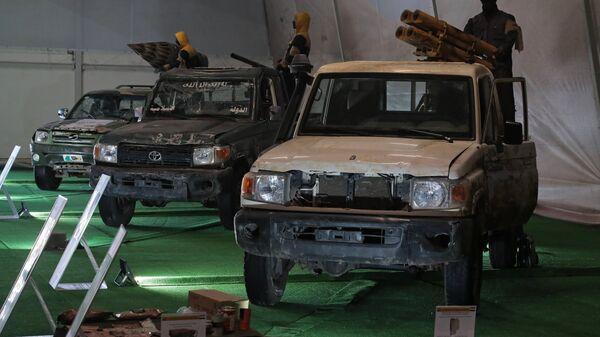 Автомобили, захваченные у боевиков в Сирии, на выставке в рамках форума Армия-2018