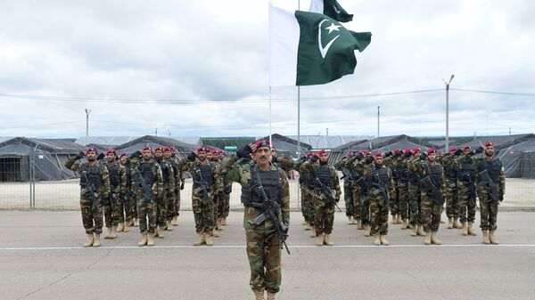 Военнослужащие вооруженных сил Пакистана во время учений ШОС Мирная миссия-2018 в Чебаркуле