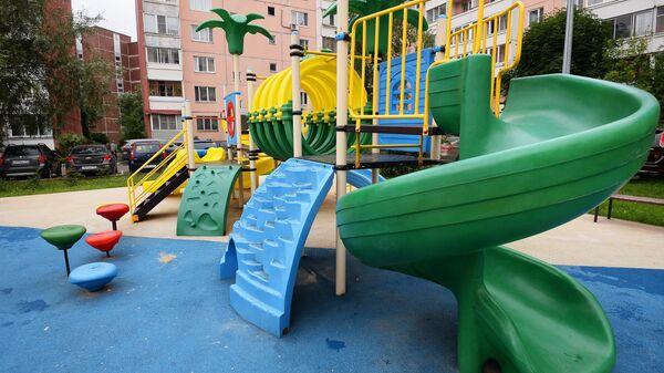 Детския площадка. Архив