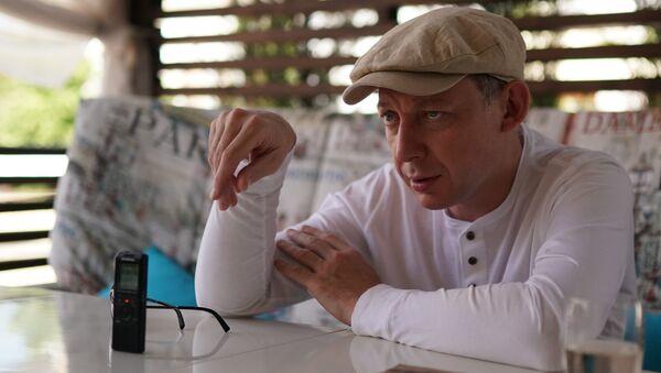 Джазмен Яков Окунь во время интервью РИА Новости на фестивале Koktebel Jazz Party