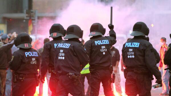 Полиция во время акции протеста в Хемнице, Германия. 27 августа 2018