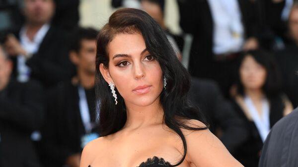 Испанская модель Джорджина Родригес на церемонии открытия 75-го Венецианского международного кинофестиваля