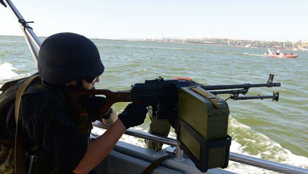 Береговая охрана Украины во время патрулирования Азовского моря. Архивное фото