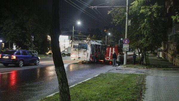Последствия ДТП с участием троллейбуса на улице Дмитрия Ульянова в Туле. 7 сентября 2018