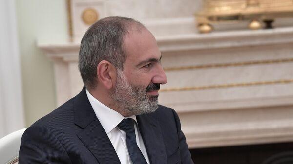 Премьер-министр Армении Никол Пашинян во время встречи с президентом РФ Владимиром Путиным в Кремле
