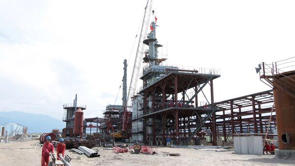Строительство китайского нефтеперерабатывающего завода Джунда в кыргызском городе Кара-Балт