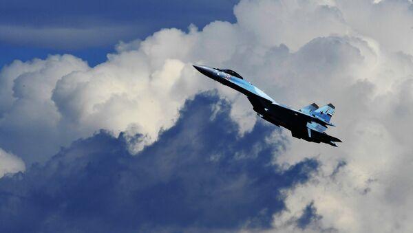 Многофункциональный истребитель Су-35. Архивное фото