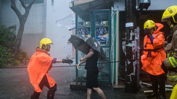 Тайфун Мангхут обрушился на Гонконг. 16 сентября 2018