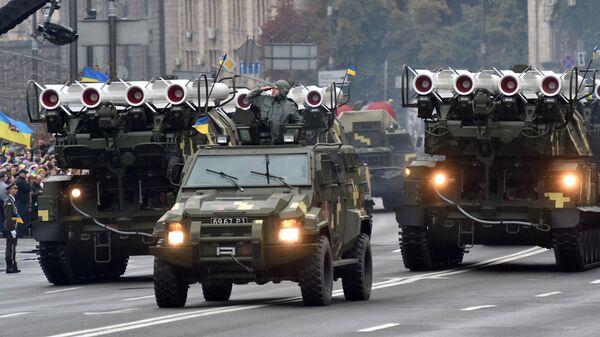 Зенитно-ракетные комплексы Бук во время военного парада в Киеве