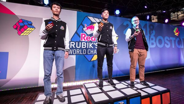 Победители мирового первенства Red Bull Rubik's Cube в дициплине сборка одной рукой