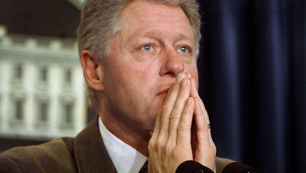Президент США Билл Клинтон во время пресс-конференции в Белом доме. 28 декабря 2000 года