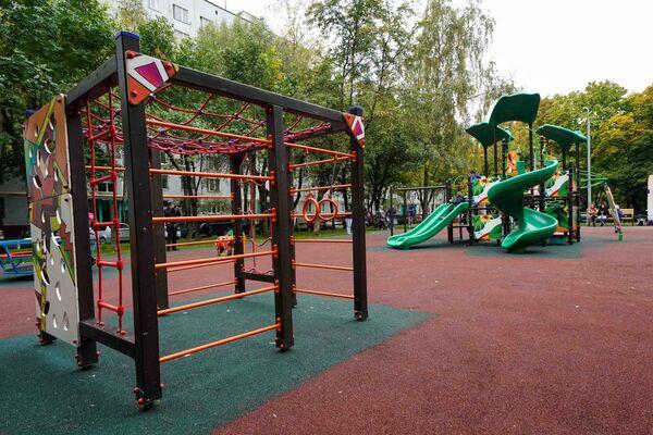 Детская площадка в районе Чертаново Южное