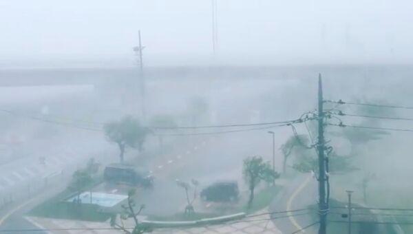 Последствия тайфуна Трами на острове Окинава в Японии. 29 сентября 2018