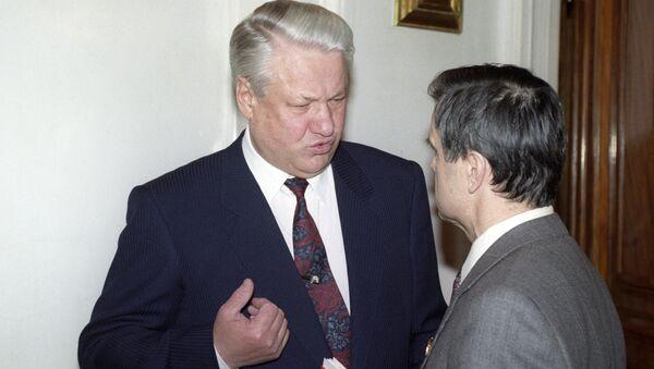 Президент РФ Борис Ельцин и Председатель Верховного Совета РФ Руслан Хасбулатов. 1993 год