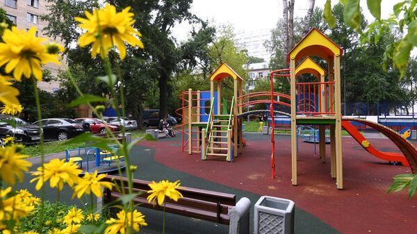 Детская игровая площадка. Архивное фото
