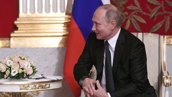 Президент РФ Владимир Путин во время встречи с федеральным канцлером Австрийской Республики Себастианом Курцем. 3 октября 2018