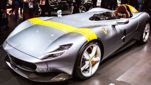Автомобиль Ferrari Monza SP1 Итальянской компании Ferrari