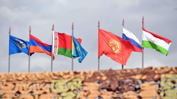 Государственные флаги стран-участниц учений ОДКБ Взаимодействие-2018. 8 октября 2018