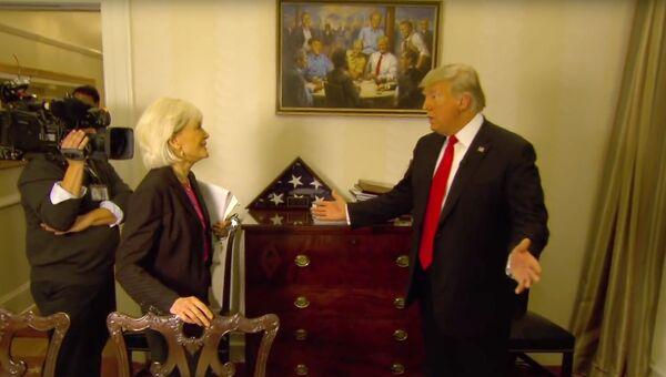Президент США Дональд Трамп во время интервью с Лесли Шталь