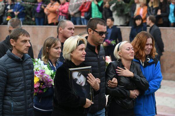 Церемония прощания с погибшими в результате трагедии в Керчи