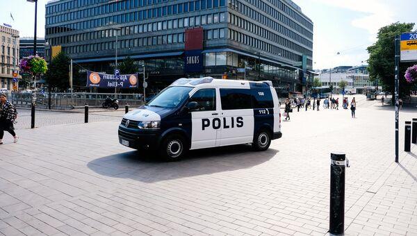 Автомобиль полиции в Хельсинки, Финляндия. Архивное фото