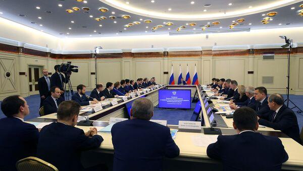 Председатель правительства РФ Дмитрий Медведев проводит заседание правительственной комиссии по вопросам социально-экономического развития. 23 октября 2018