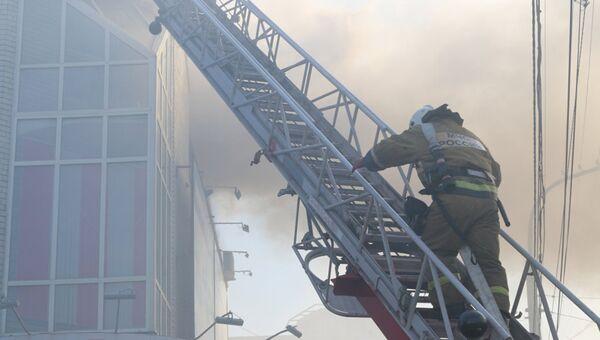 Пожар на рынке Хитрый в Ахтубинске Астраханской области. 23 октября 2018